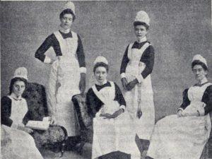 Nursing uniforms through the years